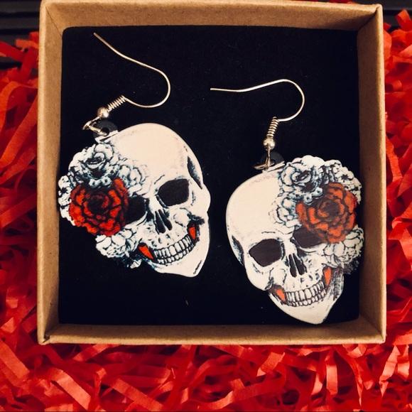 ‼️SALE 🎃 6 for $20 🆕 Skulls & Roses Drop Earrings